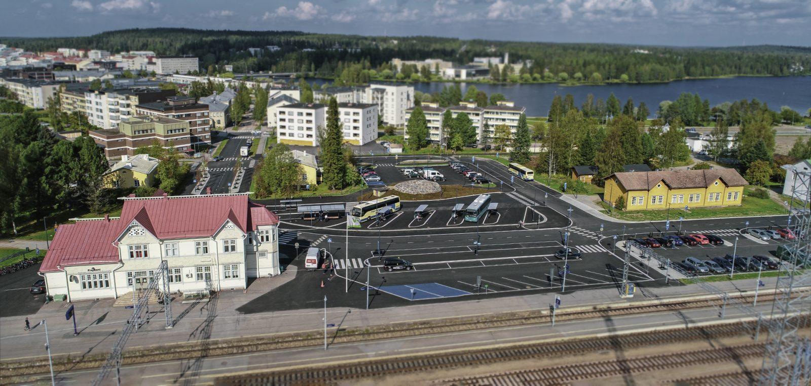 Ilmakuva Kajaanin rautatieasemasta ja matkakeskuksesta