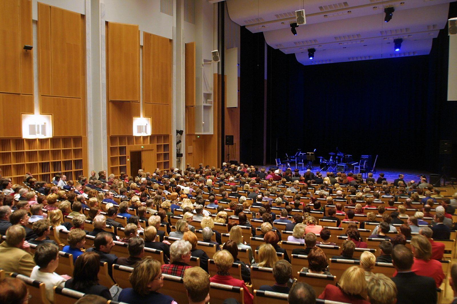 Kaukametsän salissa on hyvät mahdollisuudet isompiinkin konsertteihin ja tapahtumiin