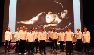 Kaukametsän kamarikuoro laulaa Dido ja Aeneas -oopperassa