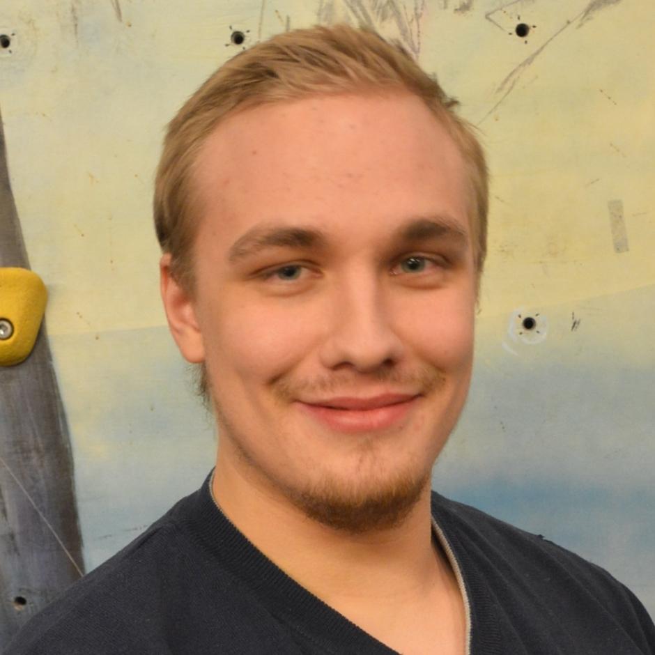 Kasvokuva Ville Karjalaisesta