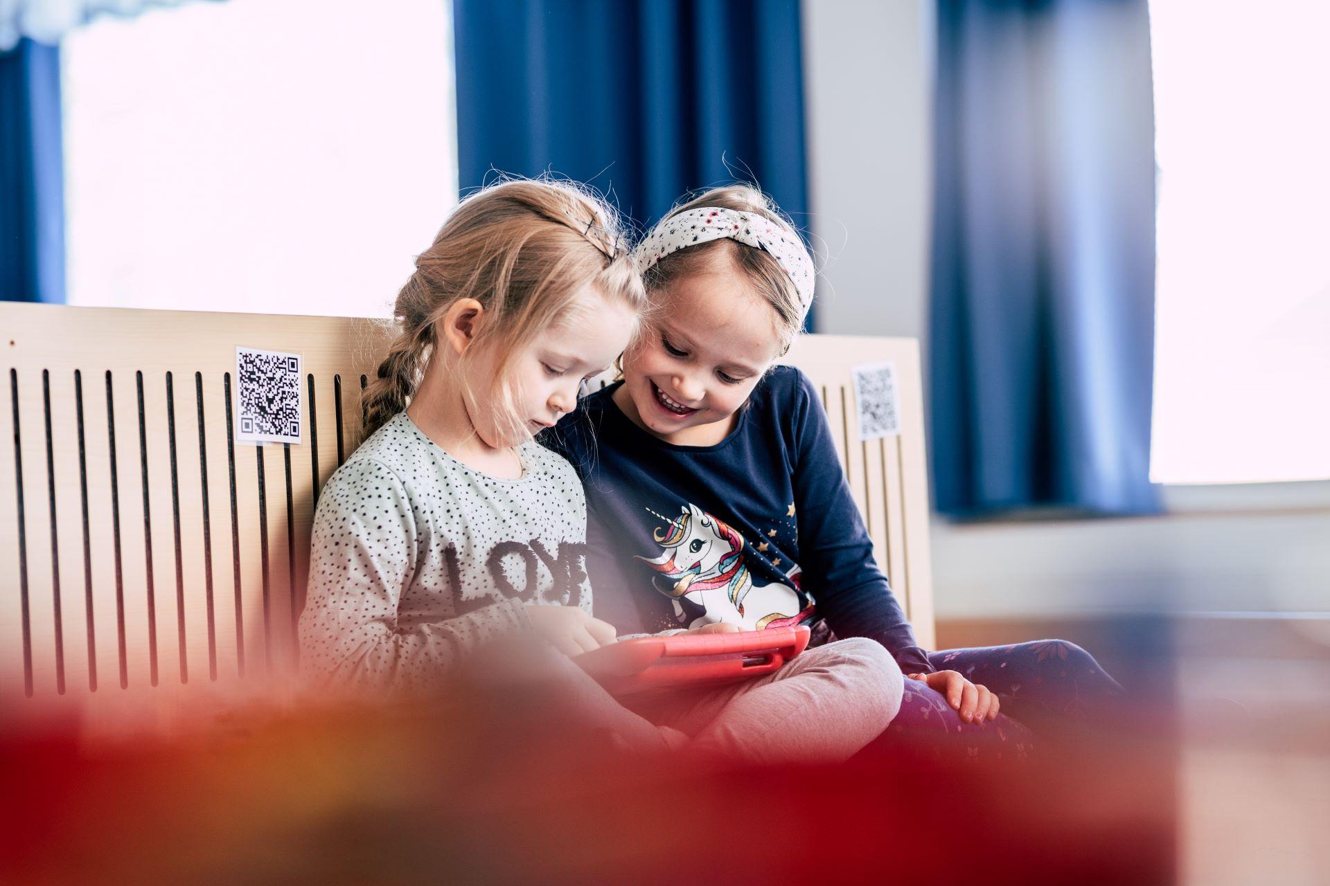 Lapset käyttävät sujuvasti tietoteknisiä välineitä osana leikkiä ja oppimista
