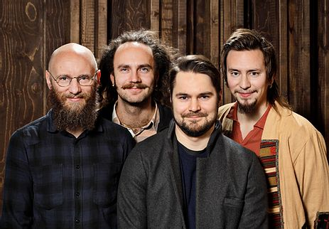Pauli Lyytinen, saksofoni; Verneri Pohjola, trumpetti; Eero Tikkannen, kontrabasso; Mika Kallio, rummut