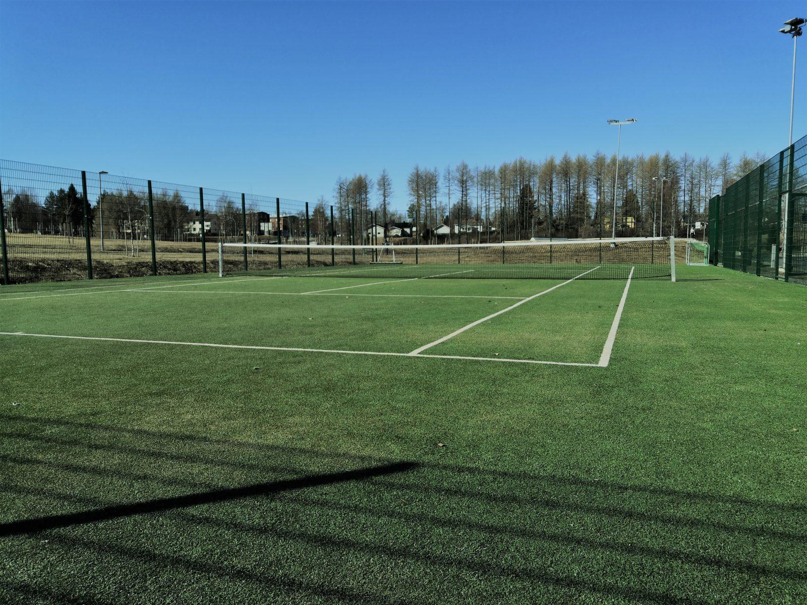 Yleiskuva Kaupunginlammen tenniskentästä