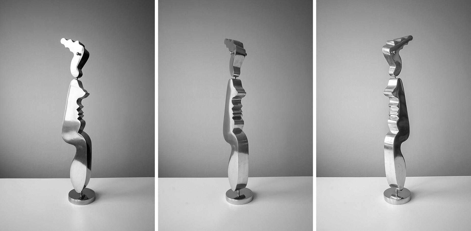 Kari Huhtamon veistos Seisova figuuri (1981) kuvattuna eri kulmista